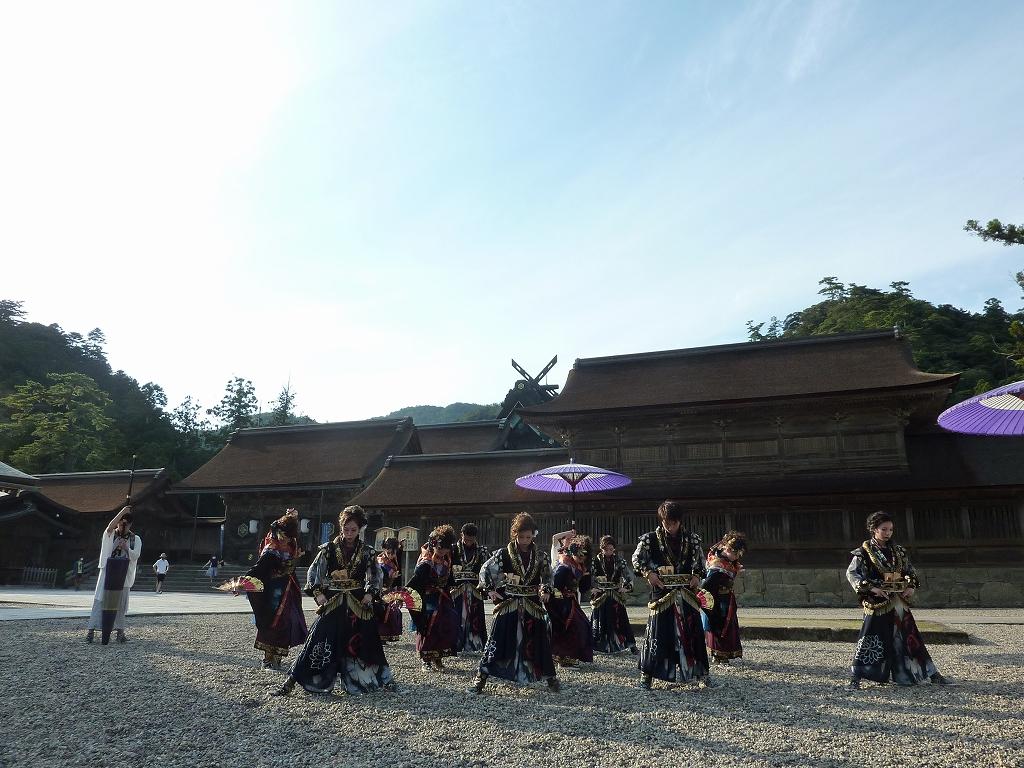 よさこい鳴子踊りの奉納のアイキャッチ画像